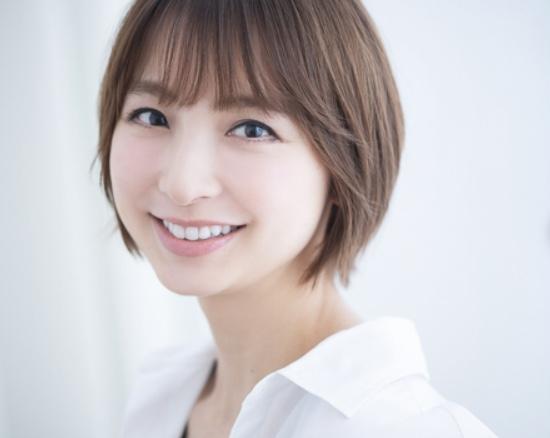 篠田麻里子のAKB48卒業後の活動とは?現在は一般男性の方と結婚している?